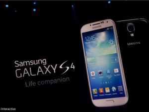 HTC: Samsung dùng tiền cho tiếp thị hơn là đổi mới