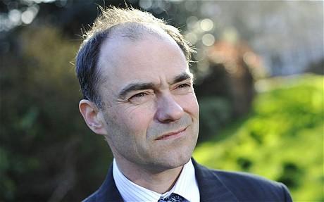 CEO của ARM từ chức, được kế nhiệm bởi Chủ tịch công ty