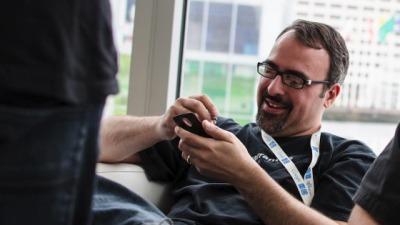 Người sáng lập CyanogenMod rời Samsung, chê giao diện TouchWiz
