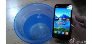 Xiaomi thử nghiệm lớp phủ nano không thấm nước cho điện thoại mới?
