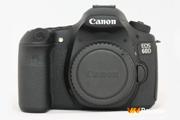 Cận cảnh máy ảnh Canon EOS 60D