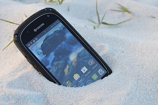 Xuất hiện mẫu Android siêu bền Kyocera Torque