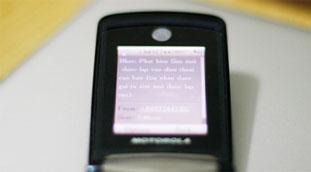 Lấy lại điện thoại đã mất từ tài xế taxi như... phim