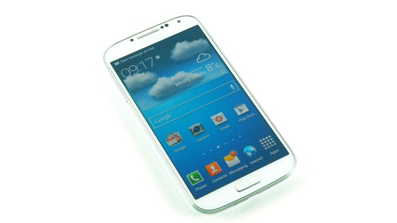 """Samsung trả lời việc Galaxy S4 chỉ còn 9GB: """"Hãy mua thẻ microSD"""""""