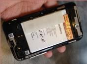 BlackBerry R10 sử dụng pin liền, dung lượng 2180 mAh