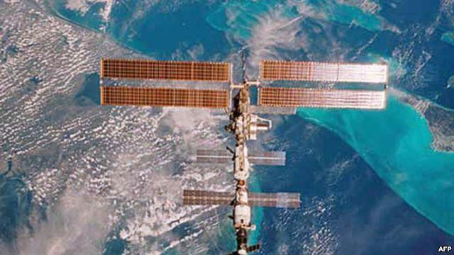 Mất 6 giờ ở ngoài không gian để ngăn rò amoniac trên ISS