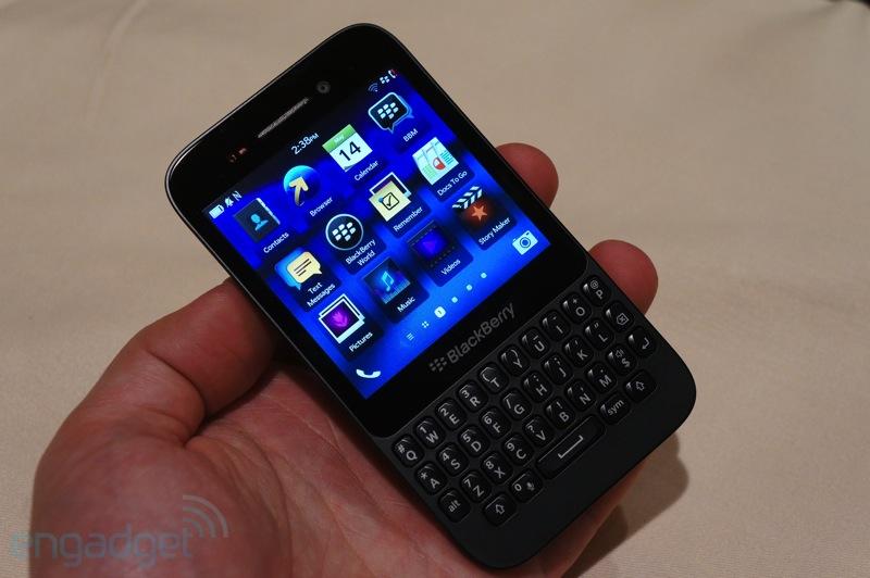 Trên tay BlackBerry Q5