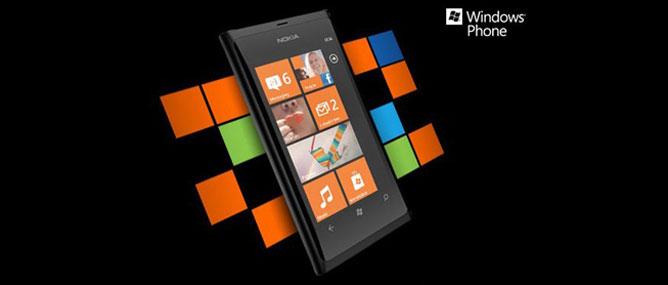 """Nokia Lumia 800 không tạo nên """"hit"""" mùa Giáng Sinh"""