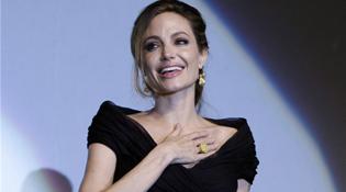 Chuyên gia Trung Quốc thận trọng về cuộc phẫu thuật của Angelina Jolie