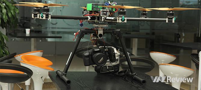Cận cảnh UAV trình diễn trên bầu trời ĐH FPT