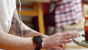 Apple tiết lộ iWatch trong một video quảng cáo
