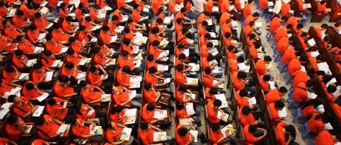 Đại học FPT bị phạt nửa tỷ đồng vì niêm yết học phí tiền đô