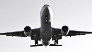Hú hồn vì mưa lớn làm máy bay hủy hạ cánh trong phút cuối