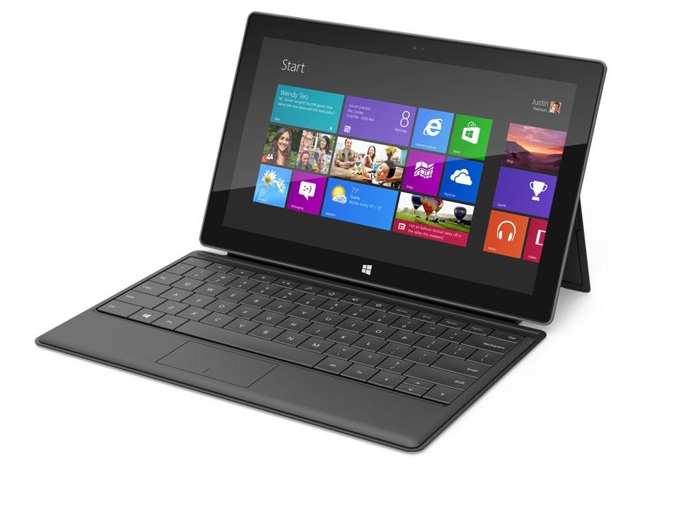 Microsoft giảm hơn 50% giá Surface RT cho trường học