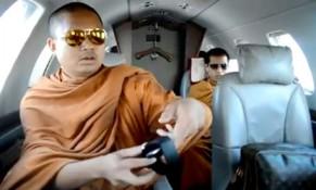 Clip YouTube tố nhà sư Thái Lan xa hoa