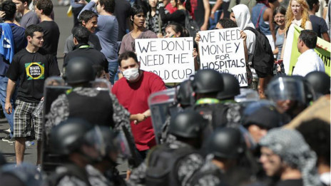 """Các clip YouTube """"đổ thêm dầu vào lửa"""" biểu tình ở Brazil"""