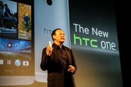 Lương quan chức HTC giảm 51% năm 2012