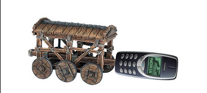 """10 điểm Nokia 3310 """"hơn đứt"""" Samsung Galaxy S4"""