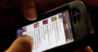"""Hacker tăng cường """"đào mỏ"""" thông tin người dùng smartphone"""