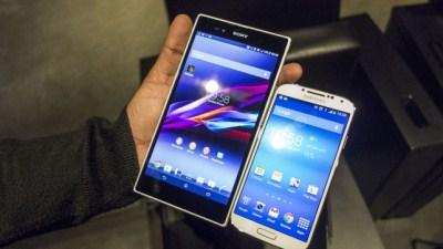 So sánh Galaxy Note II và Xperia Z Ultra qua các con số