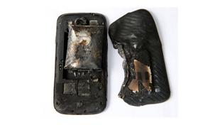 Hậu quả smartphone phát nổ ngay trong quần là đây!