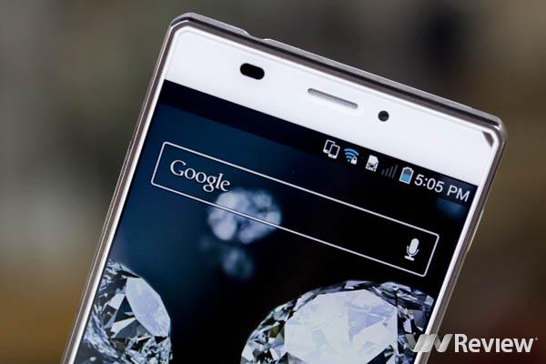 Trên tay điện thoại Sky A870