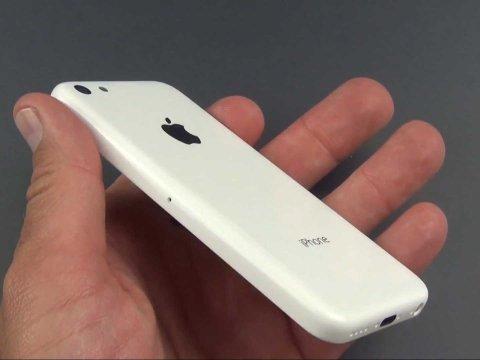 iPhone giá rẻ chính xác là iPhone 5C, vỏ nhựa, ra mắt cùng iPhone 5S với giá 350 USD