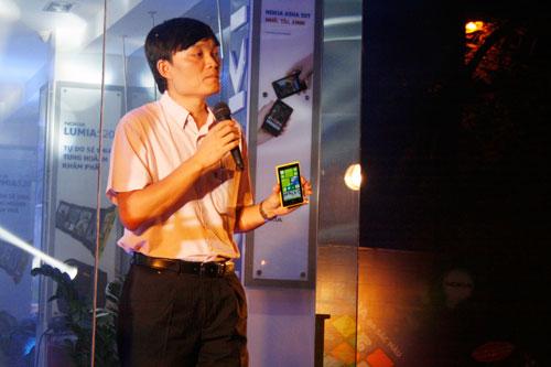 Nokia Store đổi mới phong cách trưng bày, hé lộ Lumia 1020