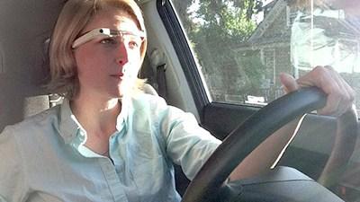 Google Glass khiến việc lái xe dễ dàng hơn