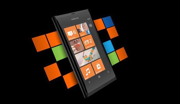 Nokia Lumia 800 giá gần 17 triệu đồng