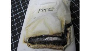 HTC One X nổ trong khi đang sạc