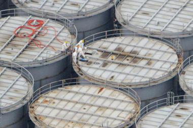 Rò rỉ nước nhiễm xạ ở Fukushima nguy hiểm ngang thảm họa Chernobyl