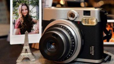 Trở về thời Polaroid: Fujifilm phục hồi máy ảnh chụp lấy liền