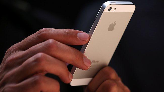 5 smartphone xách tay bán chạy nhất quý I /2015