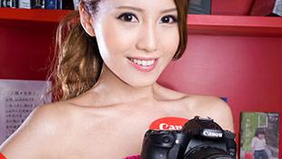 Chân dài Hồng Kông đẹp rạng ngời bên Canon 70D