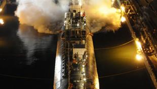 """Video tàu ngầm """"tỷ đô"""" thành phế liệu vì một mồi lửa"""