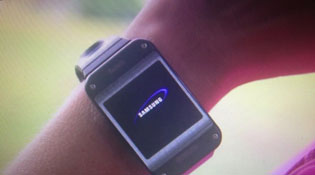 Ảnh thực tế đồng hồ thông minh Galaxy Gear