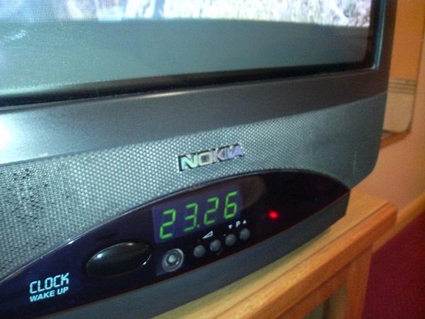 Có ai còn nhớ tới TV, mặt nạ chống khí độc và guốc Nokia?