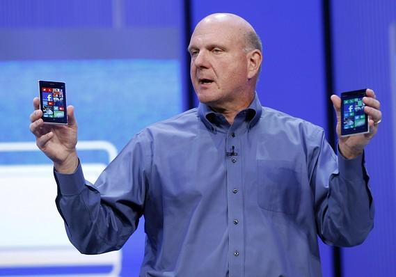 """Ai là kẻ thắng, ai là người thua trong thương vụ Microsoft """"làm gỏi"""" Nokia?"""