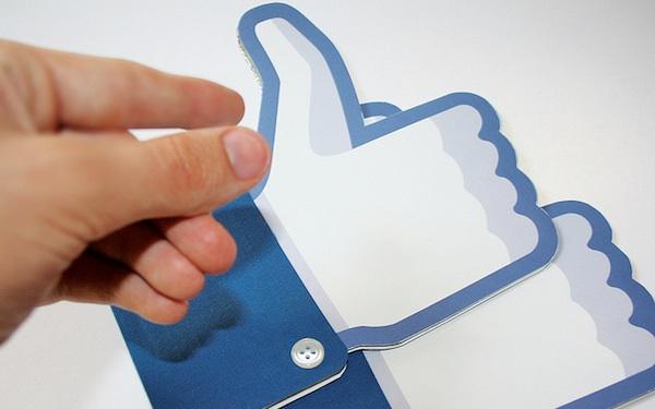 Facebook: Like nhiều chứ không lãi bao nhiêu