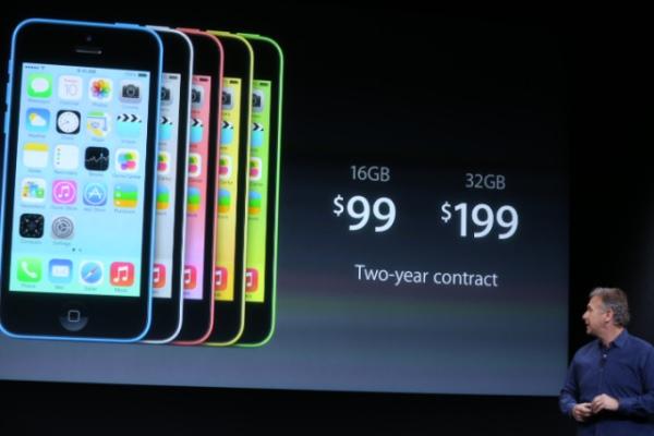 """iPhone 5C """"giá rẻ"""" - lời nói dối lọt tai nhất đến từ Apple"""