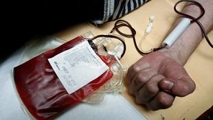 Tại sao bệnh viện Trung Quốc cần máu của 100 trinh nữ?