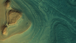 """Những góc ảnh """"độc - đẹp"""" ít biết về hành tinh đỏ"""