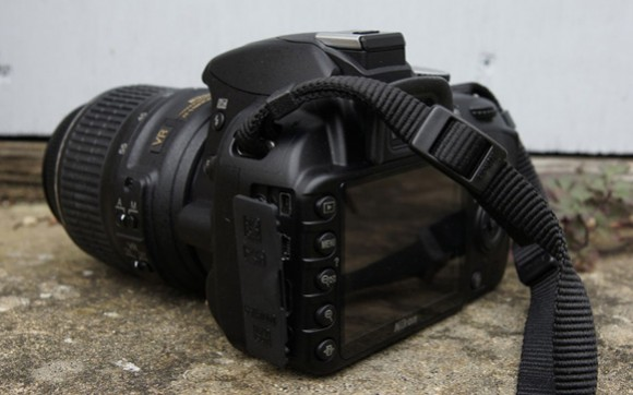 đánh giá Nikon D3100