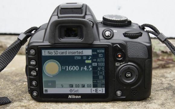 đánh giá máy ảnh D3100
