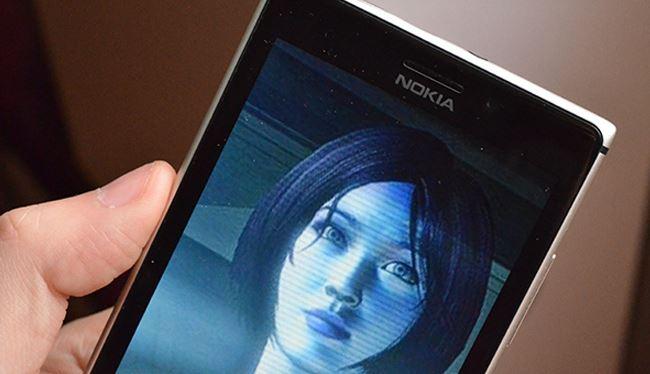 """Xem mặt """"tình địch"""" của Siri trên Windows Phone"""