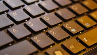 Cách xử lý bàn phím laptop bị khóa