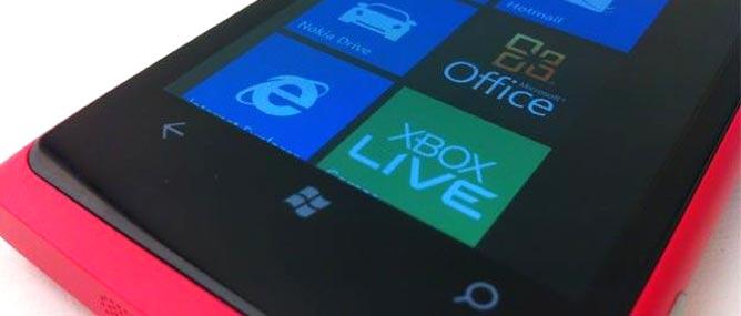 Giá Nokia Lumia 800 châu Á đắt hơn giá khi ra mắt