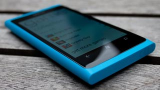 Nokia Lumia 800 bán chạy ở Anh
