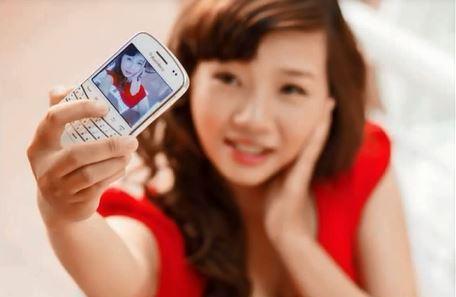 [Gallery] Chiêm ngưỡng nét gợi cảm từ các bóng hồng BlackBerry Việt